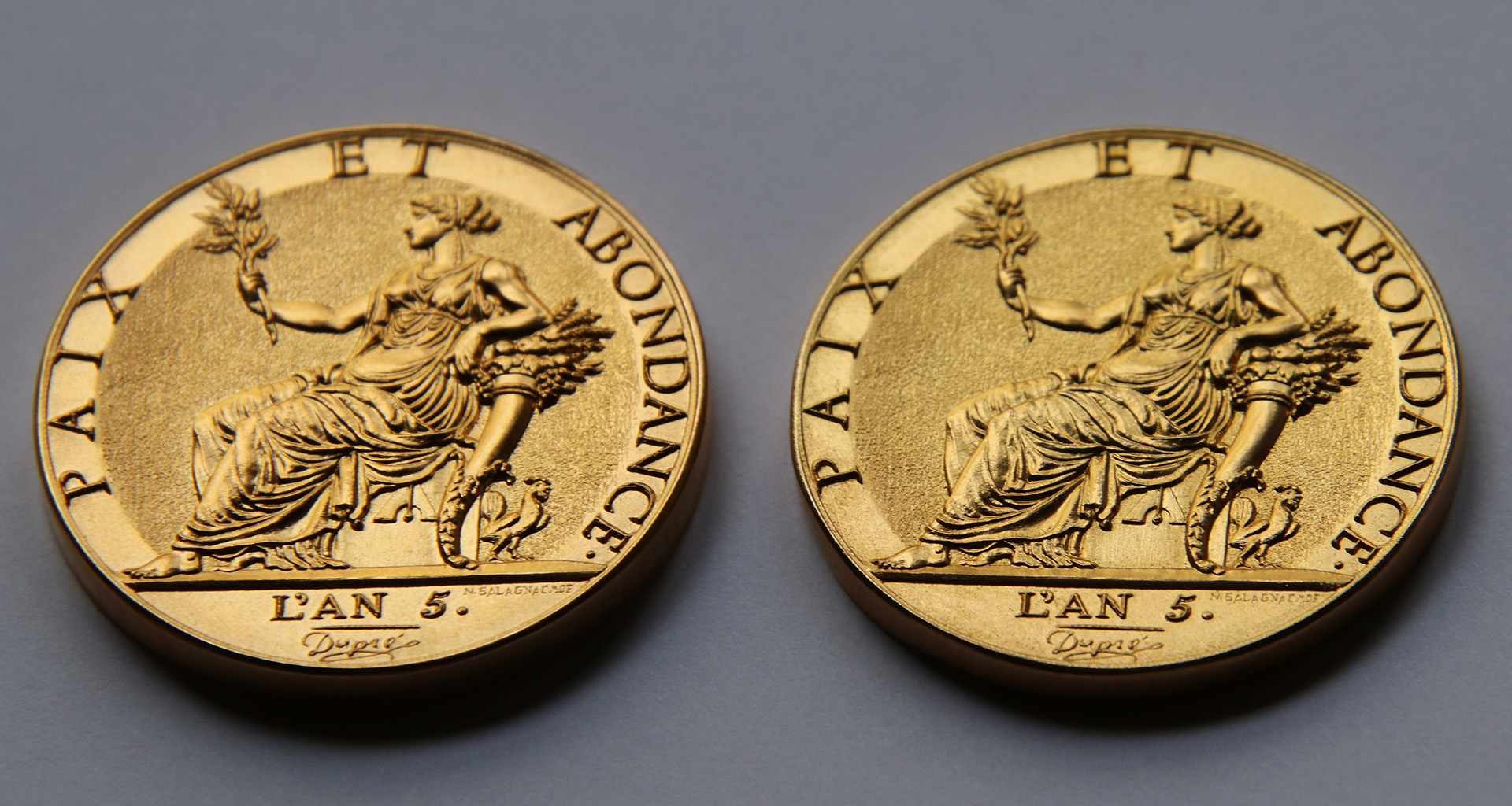 Creation of a medal based on Dupré's 10-gram gold medal that had never been created